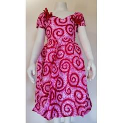 Rødlig kjole