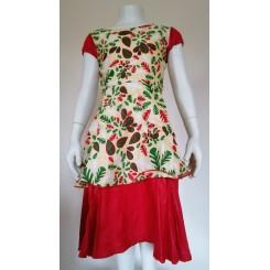 Gullig kjole med rødt kant