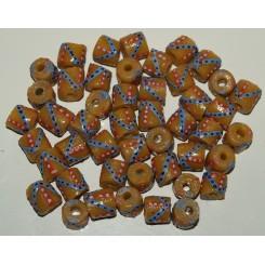 Gule perler med pynt