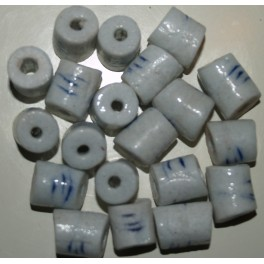 Hvide mellemstore perler