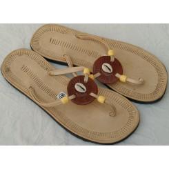 Sandaler med brun rondel og 1 kauri