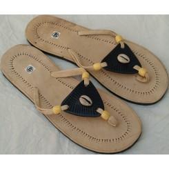Sandaler med sort trekant