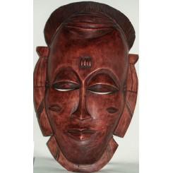 Stor brun maske med stribet hoved