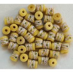 Lysgule perler med ringe