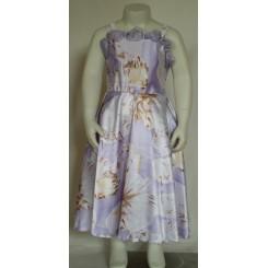 Lys lilla kjole med blonde stropærmer